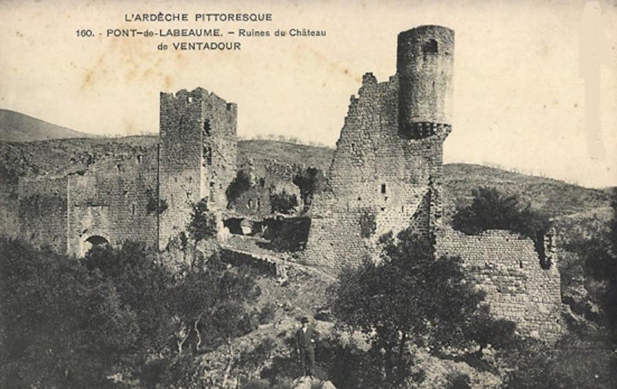 Meyras ruines du chateau de ventadour