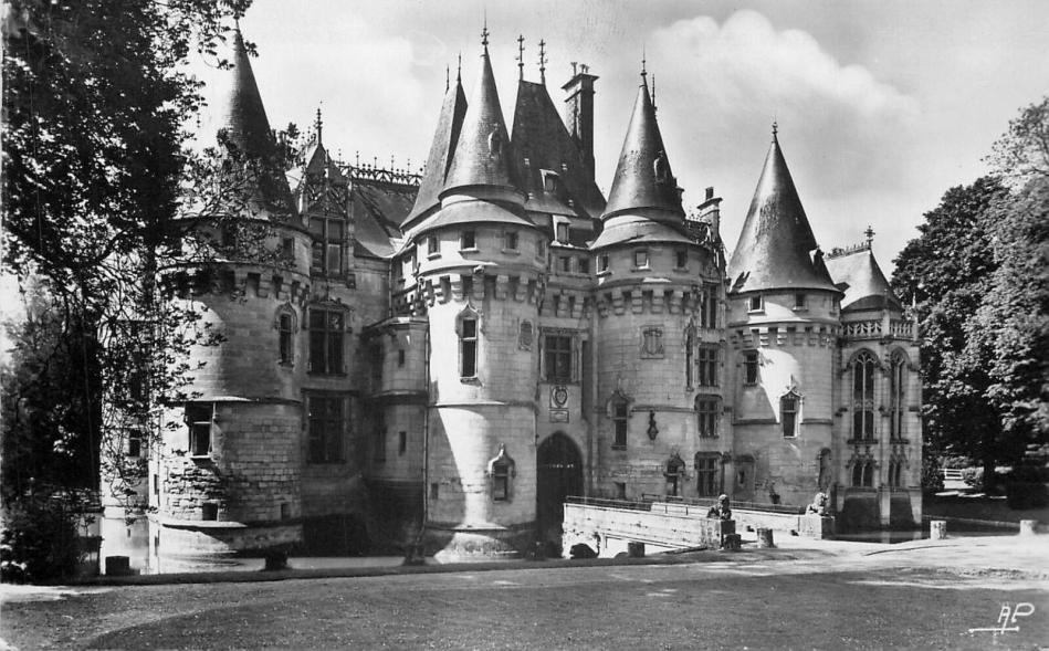 Vigny chateau entree facade nord